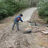 聖ヶ丘野営場の薪作り