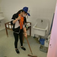 祭場内トイレ清掃奉仕