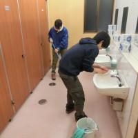 境内休憩所トイレ清掃奉仕